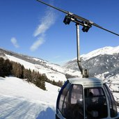 11D-3998-wipptal-winter-noerdlich-von-sterzing-richtung-gossensass-kabine-rosskopf-bahn.jpg