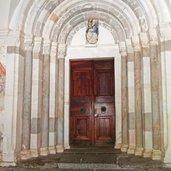 1485274103D-9491-kloster-marienberg-bei-burgeis-kirche-portal.jpg