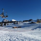 1517310863D-1102-seiser-alm-panorama-lift-winter.jpg