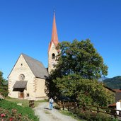 6D-1571-saubach-bei-barbian-kirche.jpg