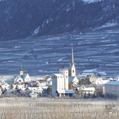 D-4919-latsch-dorf-winter.jpg