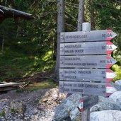 D-5089-wegweiser-bei-haunold-bergstation.jpg