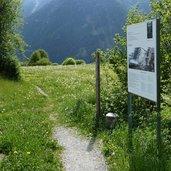 D-8389-stundenweg-grenze-italien-schweiz-grenzstein.jpg