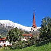 D-Passeiertal-St-Leonhard-in-Passeier-Kirchturm-Schnee-Gipfel-4649.jpg