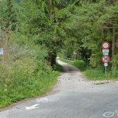 D15-1502-radweg-westlich-von-welsberg-eingang-pragser-tal.jpg
