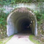 D22-3053-tunnel-pustertal-radweg-bei-bruneck.jpg