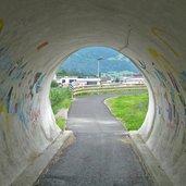 D25-1601-radweg-pustertal-bei-bruneck-stegen-tunnel.jpg