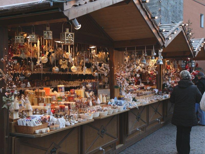 Stände Weihnachtsmarkt.Christkindlmarkt Sterzing Weihnachtsmarkt Südtirol